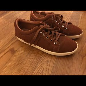 Like New Zara Leather Sneakers